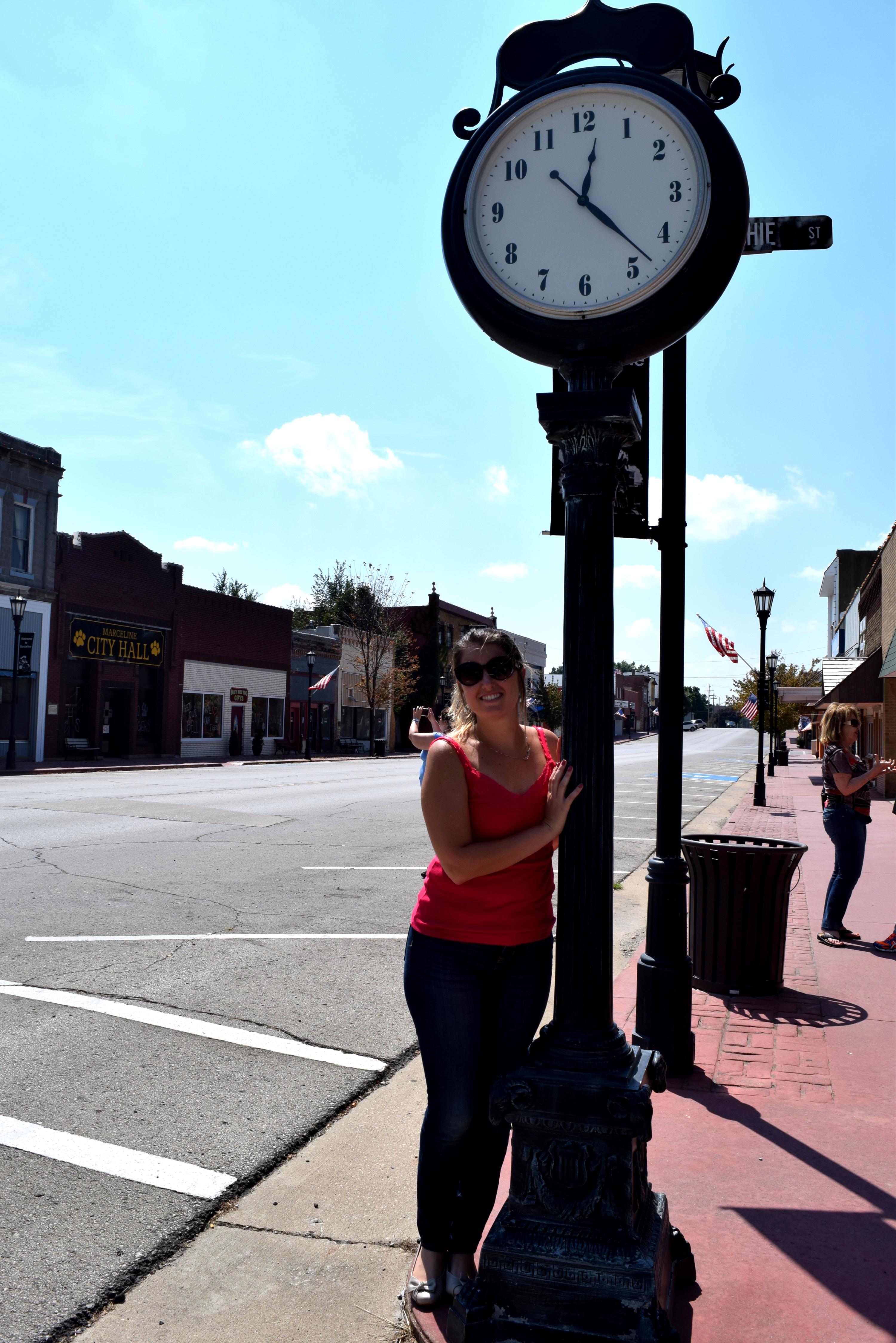 Relógio na Main Street USA, em Marceline.