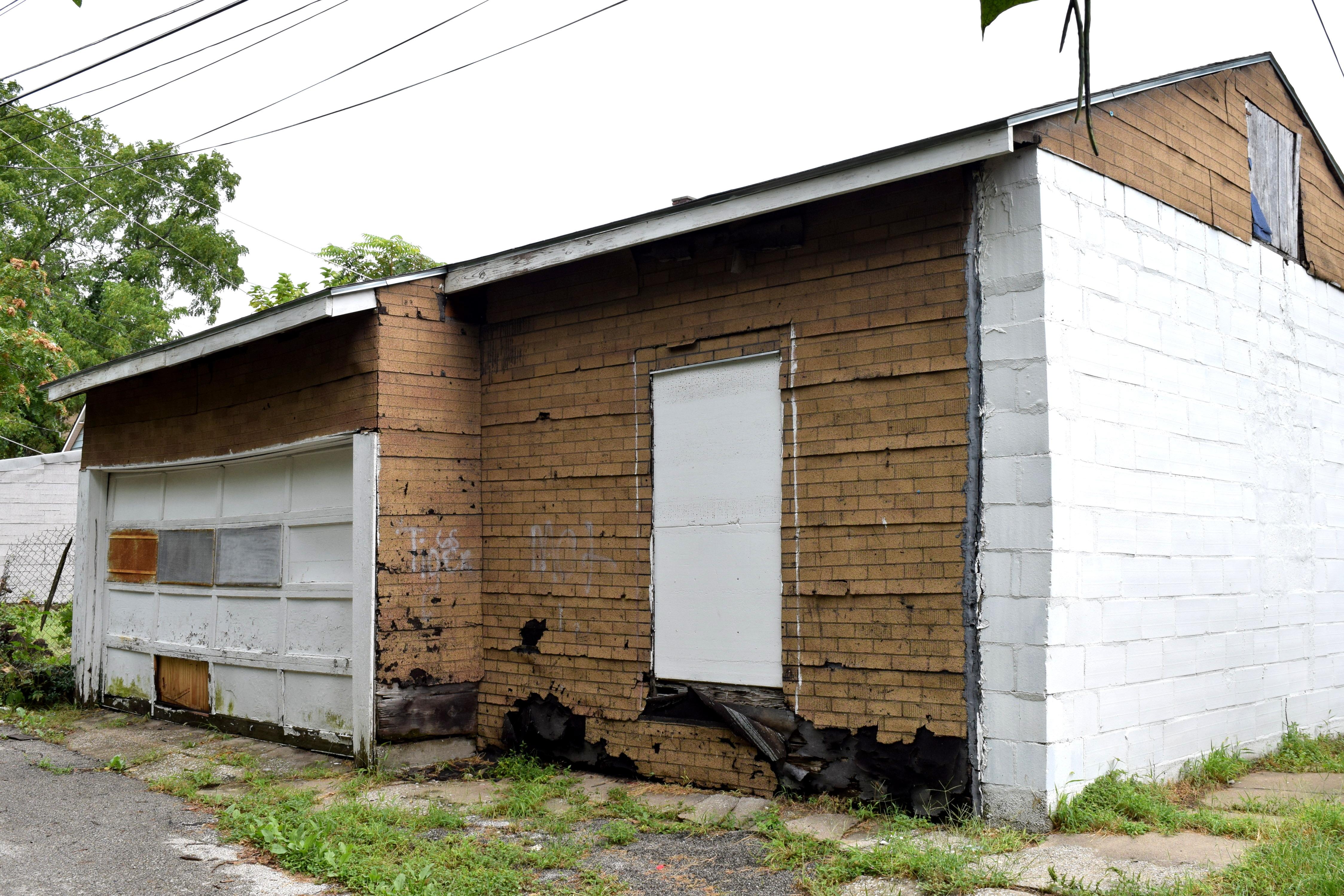 Atrás desta casa havia uma garagem, construída por Walt Disney e seu pai. Ela está lá até hoje.