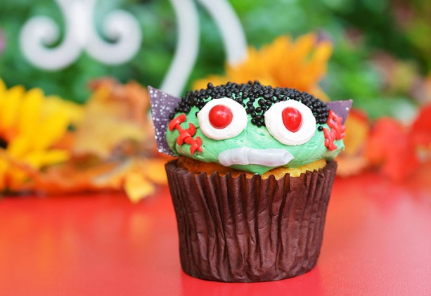 mnsshp-main-street-bakery-monster-cupcake