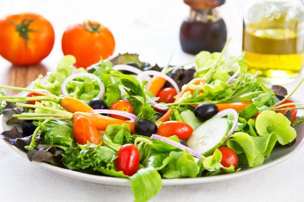 prepare-saladas-mais-saudaveis-1